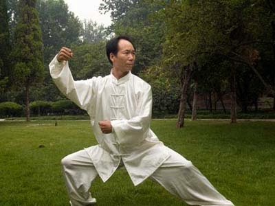 Practicing-Tai-chi-chuan-1